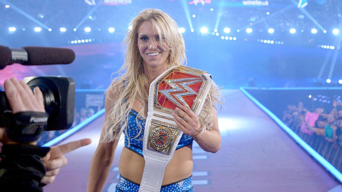 Charlotte der. Becky Lynch y Sasha Banks para convertirse en la ...
