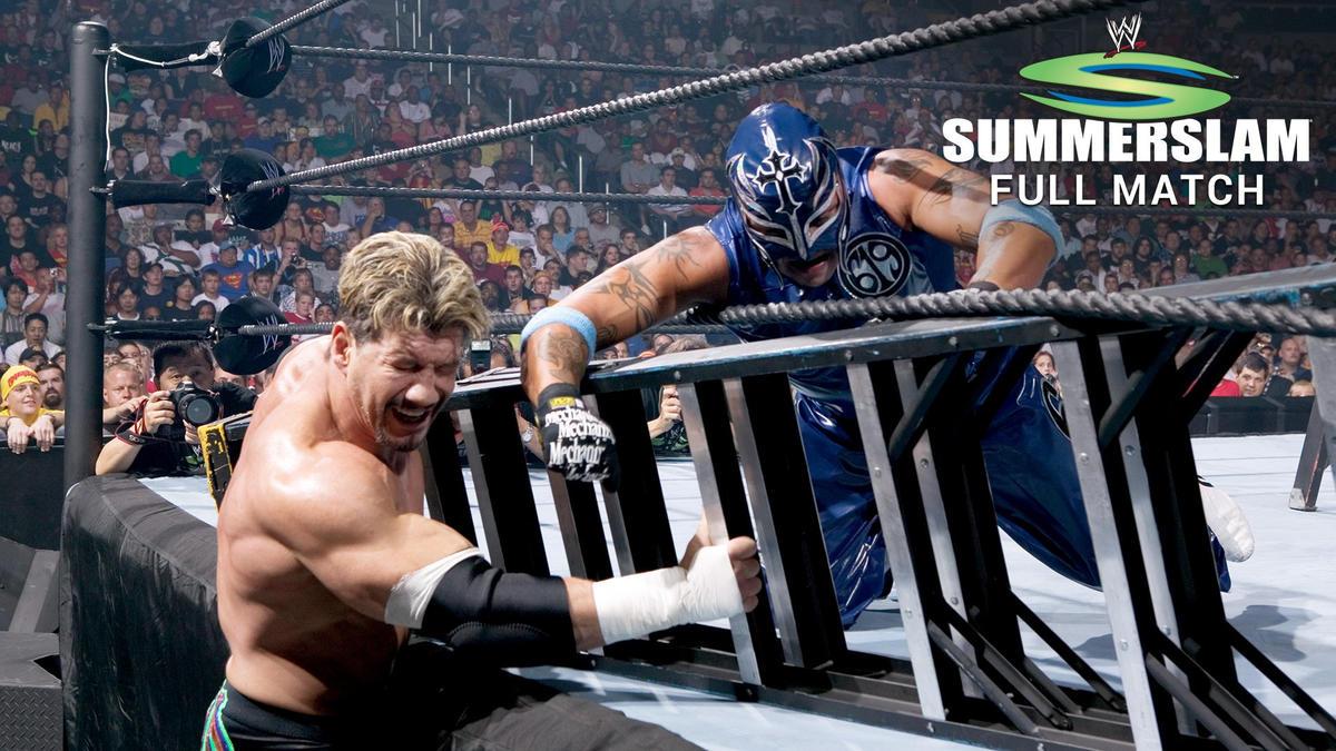 Rey Mysterio Vs Eddie Guerrero Lucha De Escaleras