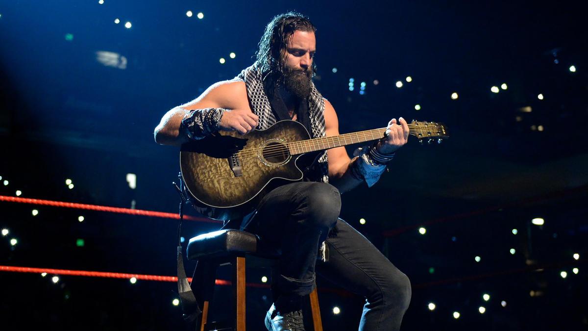 Elias Samson toca la guitarra en medio del ring: WWE Extreme Rules 2017 |  WWE