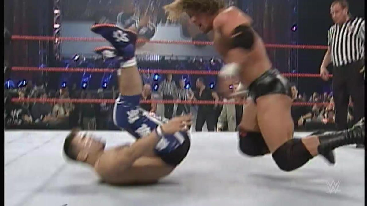Triple H vs. Taka Michinoku - Campeonato WWE: Raw, Abril 10, 2000 ...