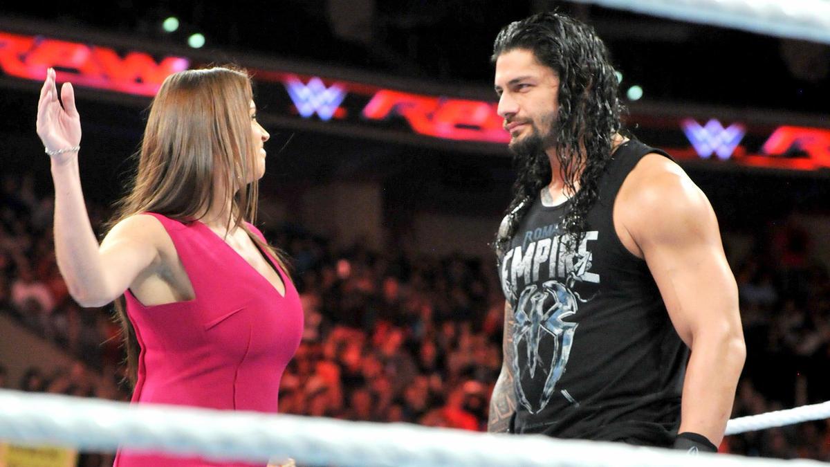 ستيفاني مكمان Photo: Stephanie McMahon Iestá Furiosa Con Roman Reigns: Fotos